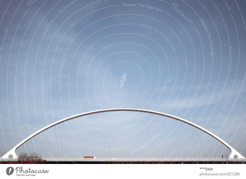 take a bow. Architektur elegant Beton Seil modern Verkehr Brücke einfach Güterverkehr & Logistik Italien Autobahn Lastwagen Denkmal Verkehrswege Autofahren
