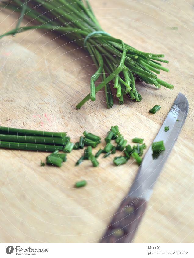 Schnittleiche Lebensmittel Kräuter & Gewürze Ernährung lecker grün Appetit & Hunger kochen & garen geschnitten Gesunde Ernährung Schnittlauch Messer hohl