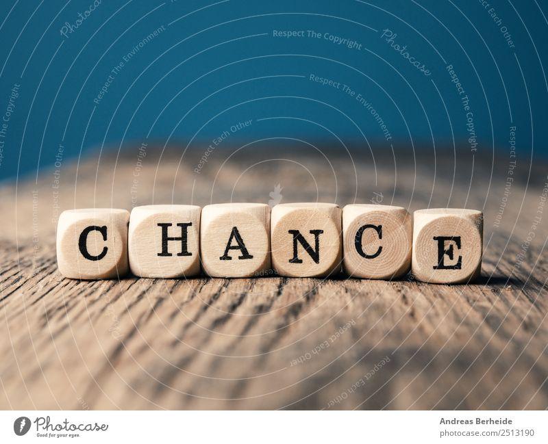 Kleine Holzwürfel mit dem Wort Chance Lifestyle Leben Hintergrundbild Business Schriftzeichen Kreativität Erfolg Beginn Zukunft Idee Hilfsbereitschaft