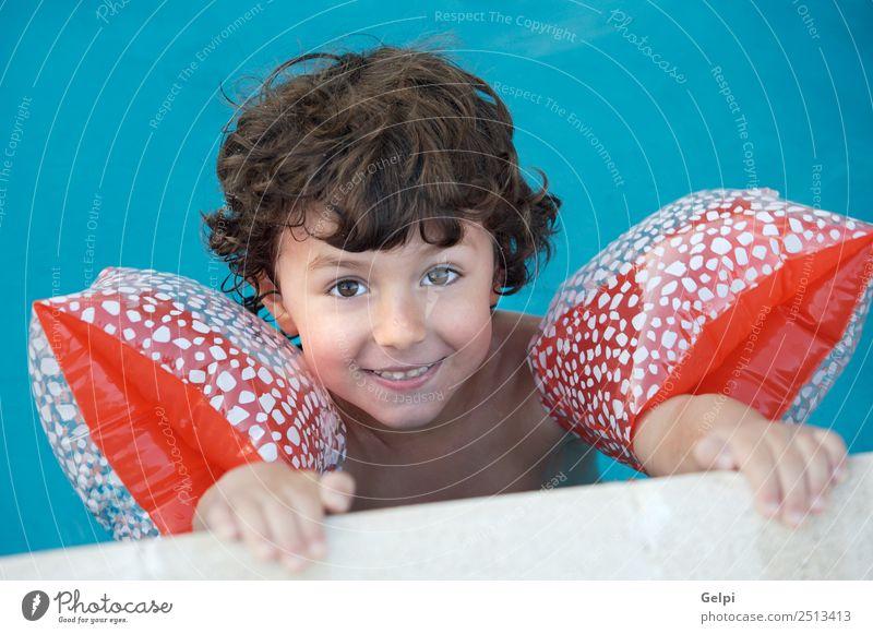 Foto eines bezaubernden Jungen beim Schwimmen lernen schön Schwimmbad Spielen Ferien & Urlaub & Reisen Sommer Strand Meer Kind Schule Mensch Baby Kleinkind