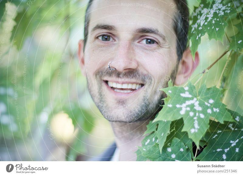[CHAMANSÜLZ 2011] lovely laughing maskulin Junger Mann Jugendliche Kopf Mund 18-30 Jahre Erwachsene 30-45 Jahre Lächeln authentisch Piercing Ahorn Naturliebe