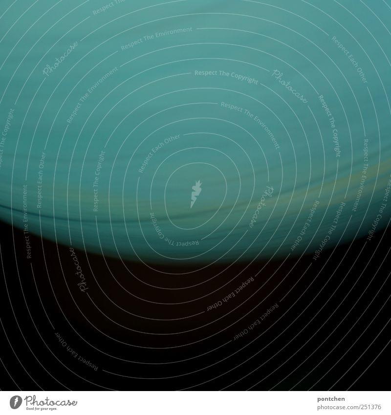 Farbverläufe. Globus vor schwarzem Hintergrund. Planet. Globalisierung Dekoration & Verzierung Klima Klimawandel blau türkis Zukunftsangst Weltall Drehung
