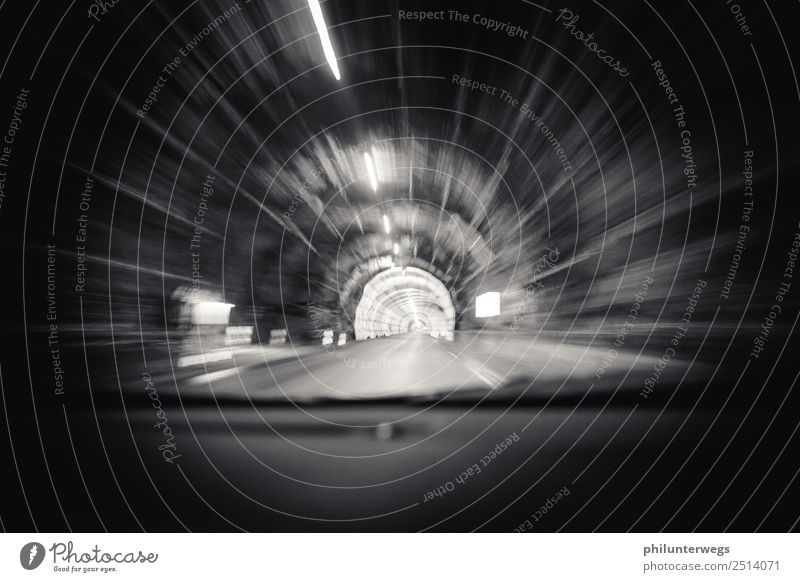 Autofahrt im Tunnel - Warp, Lichtgeschwindigkeit Berge u. Gebirge dunkel schwarz Straße Wege & Pfade Felsen PKW Geschwindigkeit Hügel Alpen Eile Verkehrswege