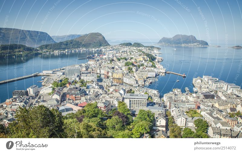 Alesund, Norwegen von oben Aussicht mit Meer Ferien & Urlaub & Reisen Sommer Stadt Haus Ferne Architektur Küste Tourismus Freiheit Ausflug Freizeit & Hobby