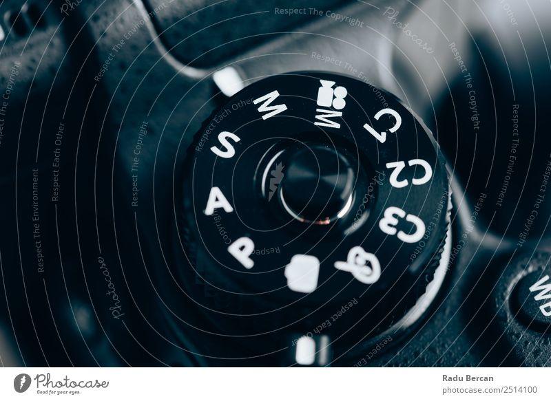 weiß schwarz modern Schriftzeichen Technik & Technologie Schilder & Markierungen Fotografie Zeichen Ziffern & Zahlen Fotokamera digital Kontrolle Videokamera