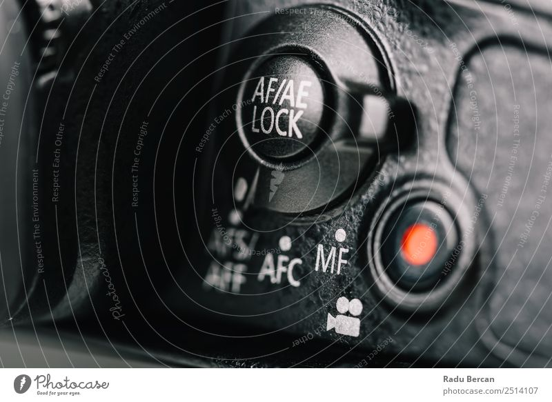 Autofokus, automatische Belichtungssperre und Movie-Taste an der Kamera Design Hardware Videokamera Fotokamera Technik & Technologie Zeichen Schriftzeichen