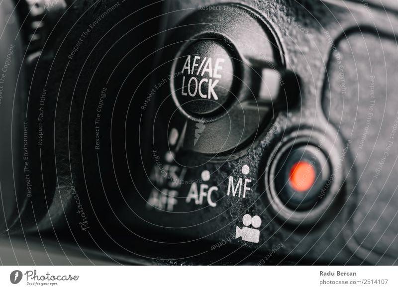 weiß rot schwarz Design modern Schriftzeichen Technik & Technologie Schilder & Markierungen Fotografie Zeichen Ziffern & Zahlen Symbole & Metaphern Fotokamera