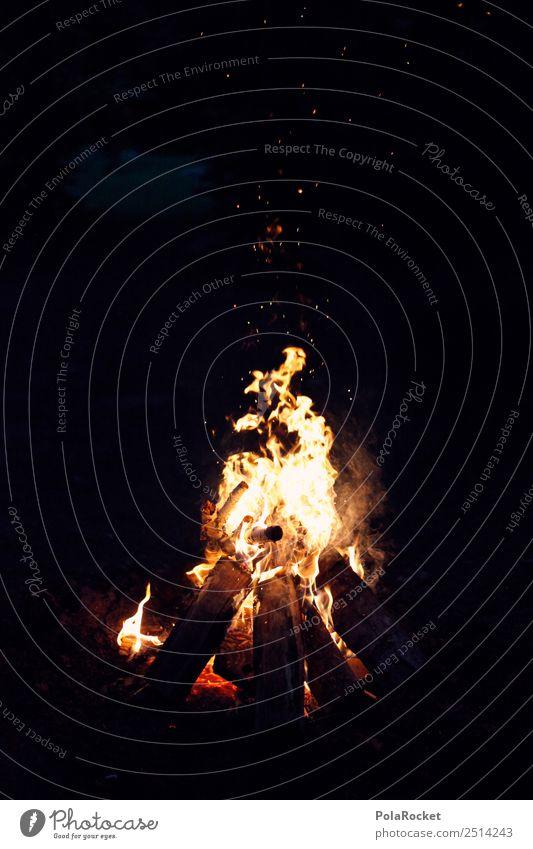 #A# having a fire Kunst ästhetisch Feuer Brand Feuerstelle Lagerfeuerstimmung Abenteuer Funken brennen Farbfoto Gedeckte Farben Außenaufnahme Detailaufnahme