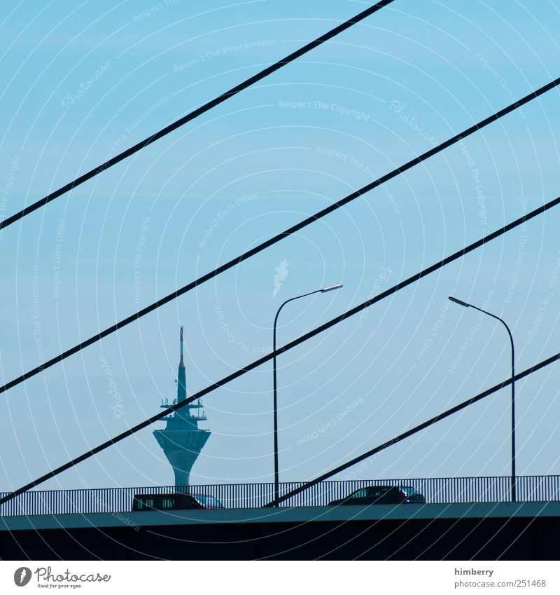 treffpunkt hardy Düsseldorf Hauptstadt Hafenstadt Brücke Turm Bauwerk Gebäude Architektur Sehenswürdigkeit Wahrzeichen Verkehr Verkehrsmittel Verkehrswege