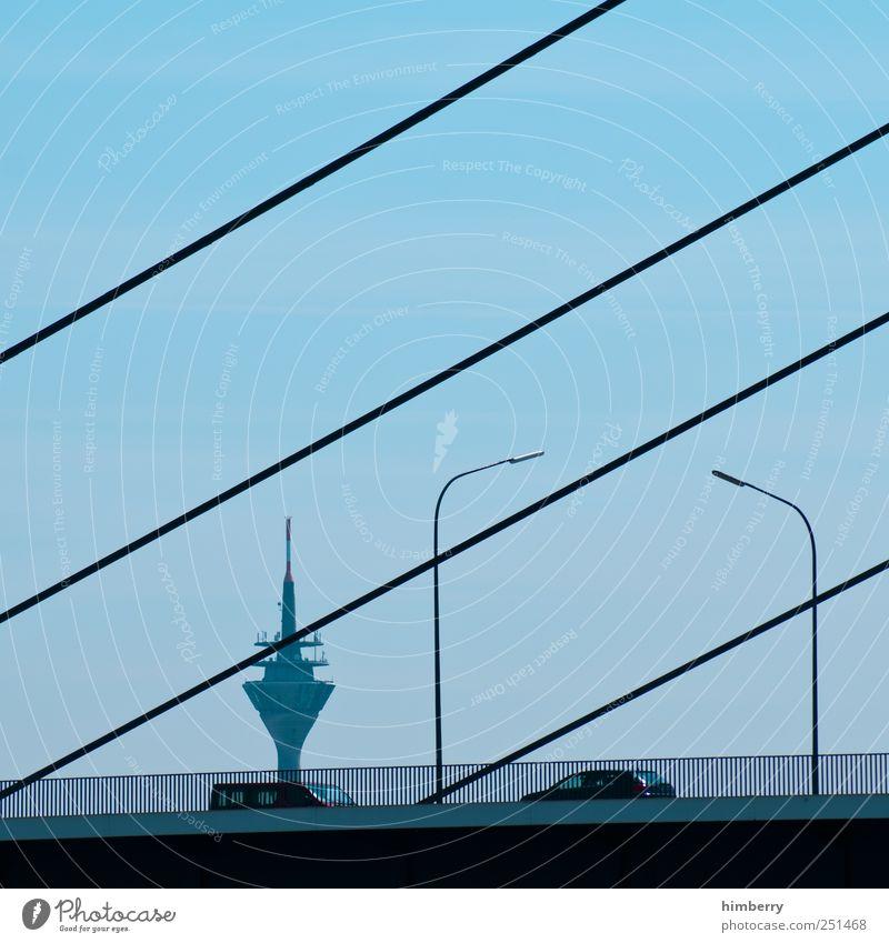 treffpunkt hardy Straße Architektur Bewegung Gebäude PKW Design Verkehr Brücke Turm Güterverkehr & Logistik Bauwerk Laterne Verkehrswege Straßenbeleuchtung