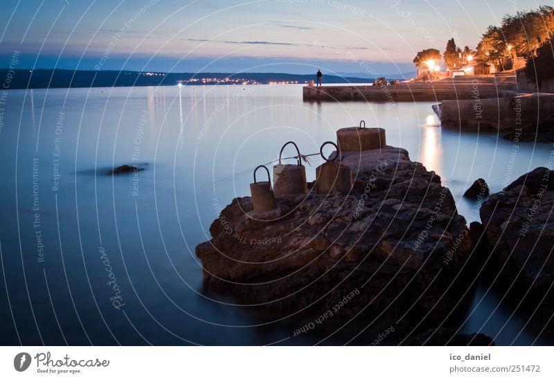 Ein Abend am Meer Wasser blau Sommer Ferien & Urlaub & Reisen Küste Stein orange Felsen Schwimmen & Baden Tourismus Europa Dorf Bucht Camping Segeln