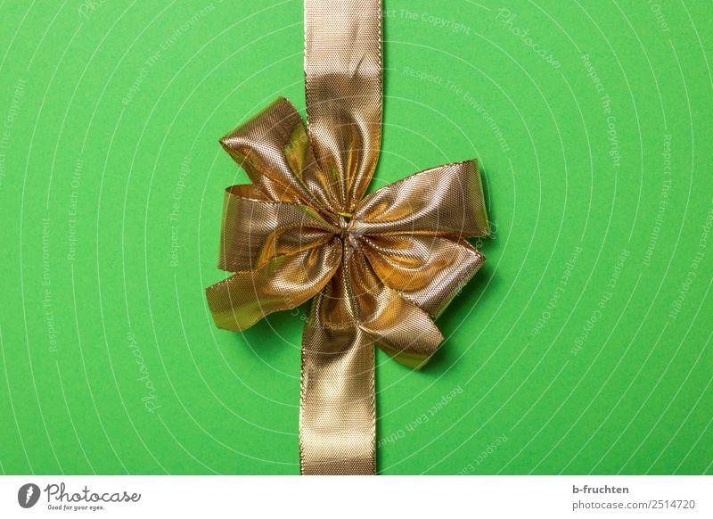 goldene Geschenkschleife schön grün Feste & Feiern Geburtstag Papier Neugier Hochzeit geheimnisvoll Überraschung Mitte Verpackung Schleife Paket einpacken