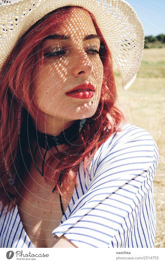 Frau Mensch Jugendliche Junge Frau Sommer schön Sonne Erotik Erholung 18-30 Jahre Gesicht Lifestyle Erwachsene Wärme Gesundheit natürlich