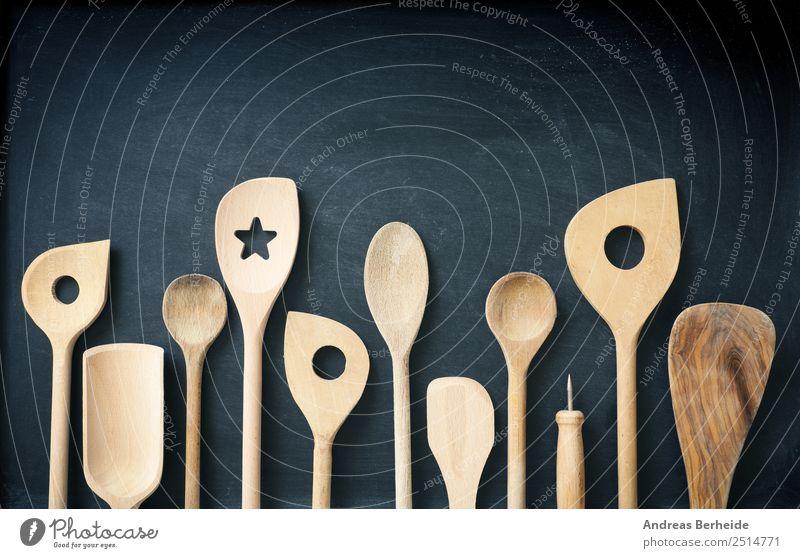 Kochlöffel , Holzlöffel auf einer Tafel Hintergrundbild Stil retro Kreativität altehrwürdig Gerät Top Löffel Besteck