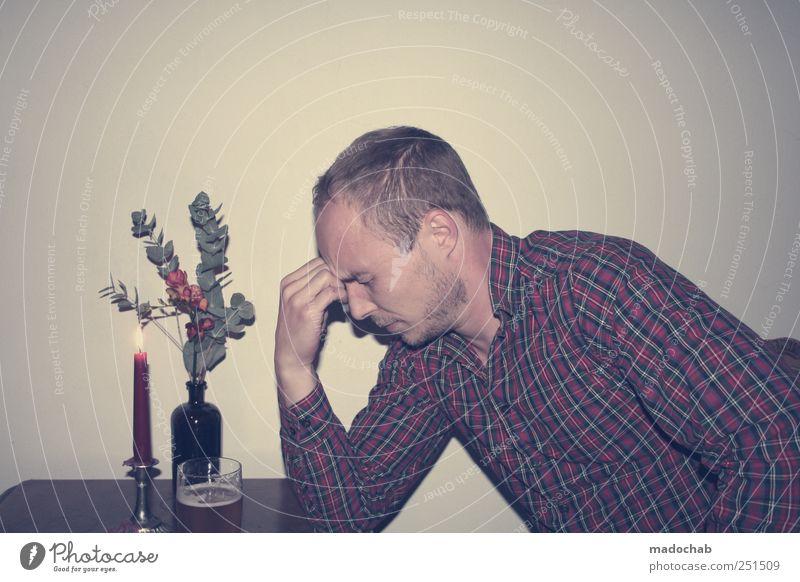 Der Blumenflüsterer Mensch Mann Jugendliche Erwachsene Gefühle Stimmung Zufriedenheit maskulin ästhetisch Lifestyle Bekleidung trinken Kerze Vergänglichkeit