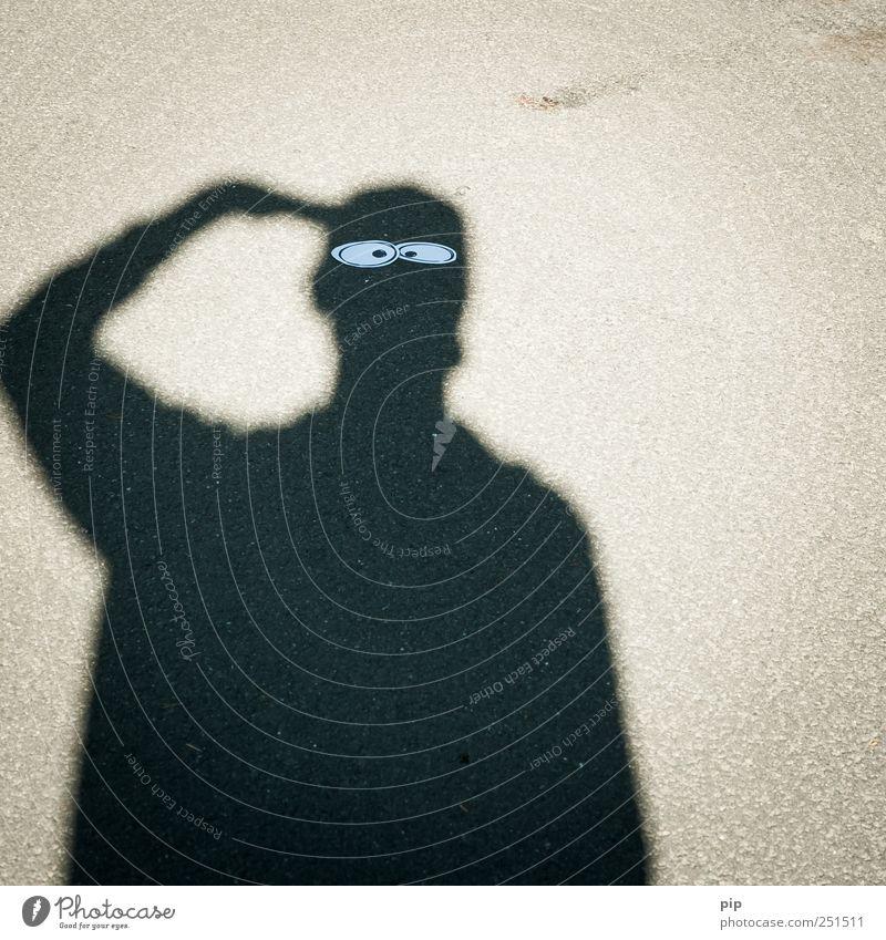 schlagschatten Mensch Auge Straße Kopf grau Denken lustig Arme maskulin Suche Asphalt