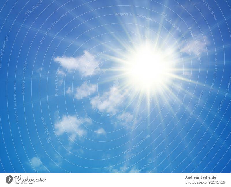 Hitze, Sonne, Sommer, Sonnenstrahlen, heiß Sonnenbad Natur Himmel nur Himmel Wolken Sonnenlicht Klima Klimawandel Wetter Wärme Dürre hell Umweltschutz clouds