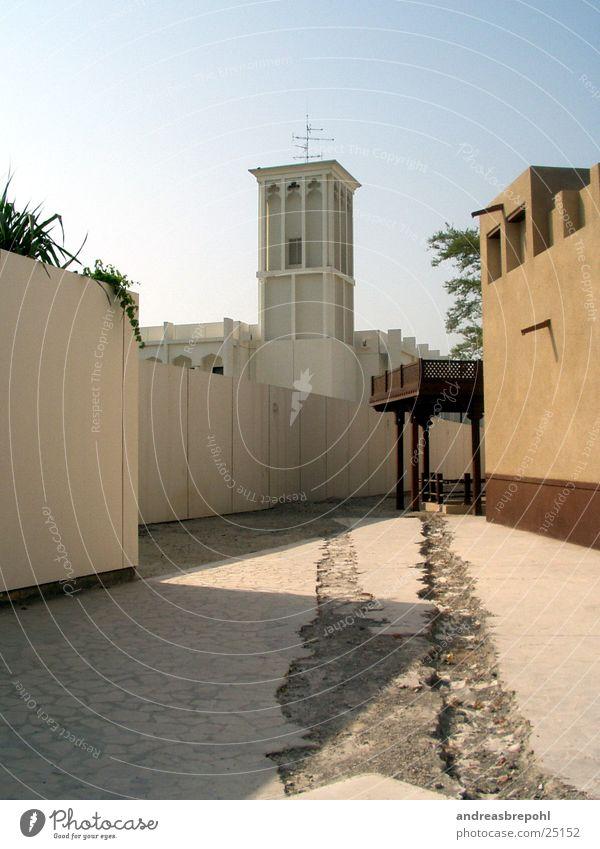 Dubai der alter Kern Haus Glocke Moschee Licht Physik Religion & Glaube Tempel Gotteshäuser Turm Wege & Pfade Wärme