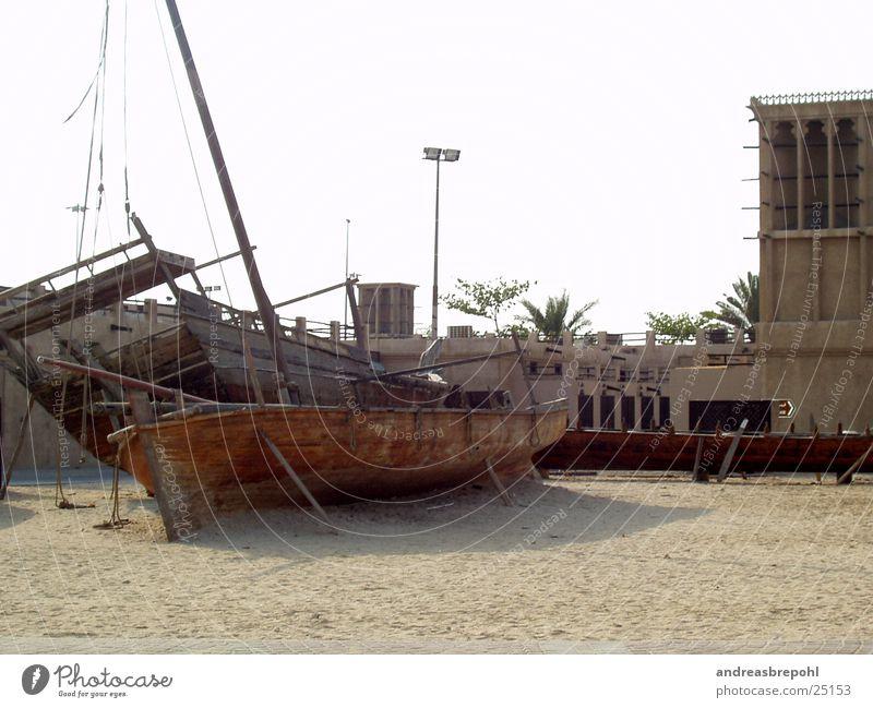 Gestrandet Strand Sand Wasserfahrzeug Seite Schifffahrt Strommast Segel