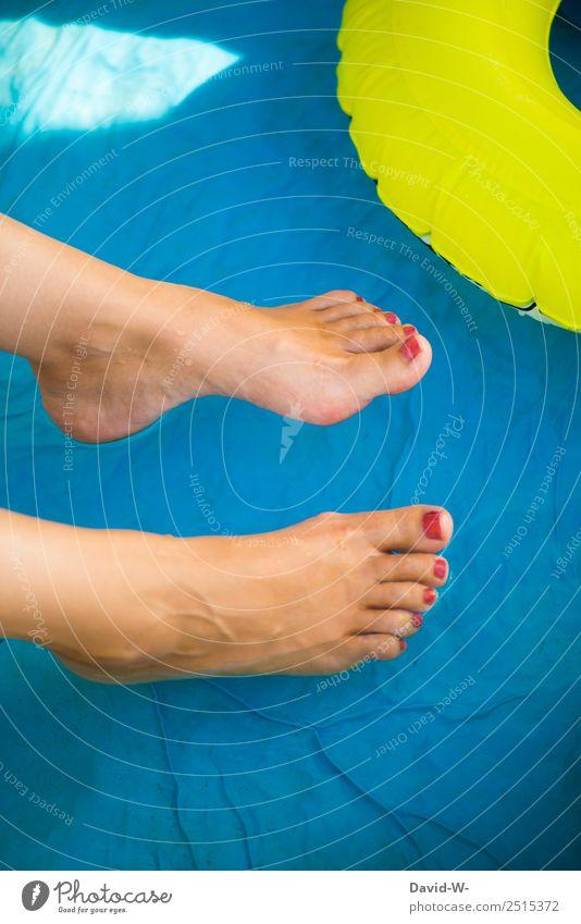 abkühlung Frau Mensch Jugendliche Junge Frau Sommer Wasser Sonne Erholung ruhig Freude Erwachsene Wärme Leben kalt feminin Fuß