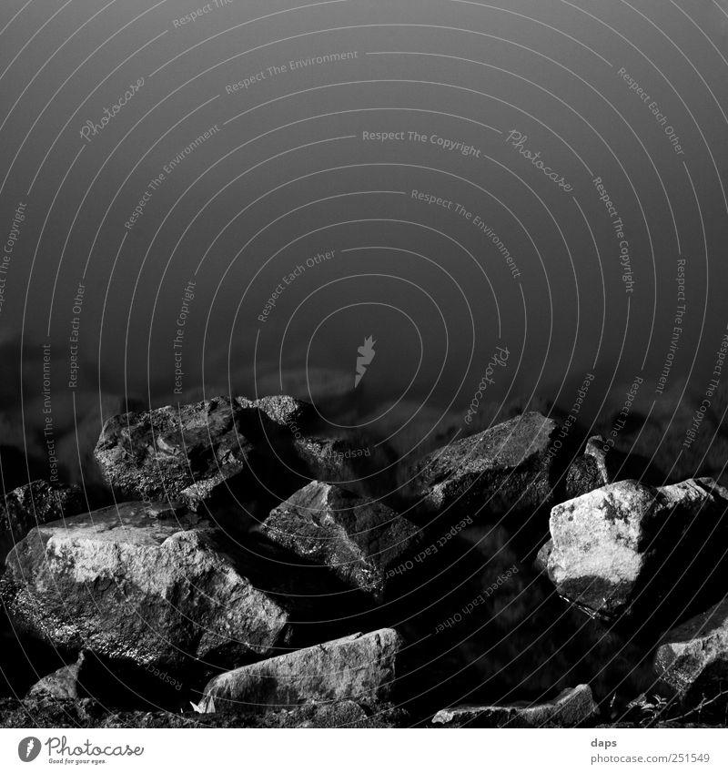 silent stones Kunst Natur Landschaft Wasser Küste Flussufer Frankfurt am Main Stadtrand Stein ästhetisch elegant natürlich Cologne Fine Art fineart black white