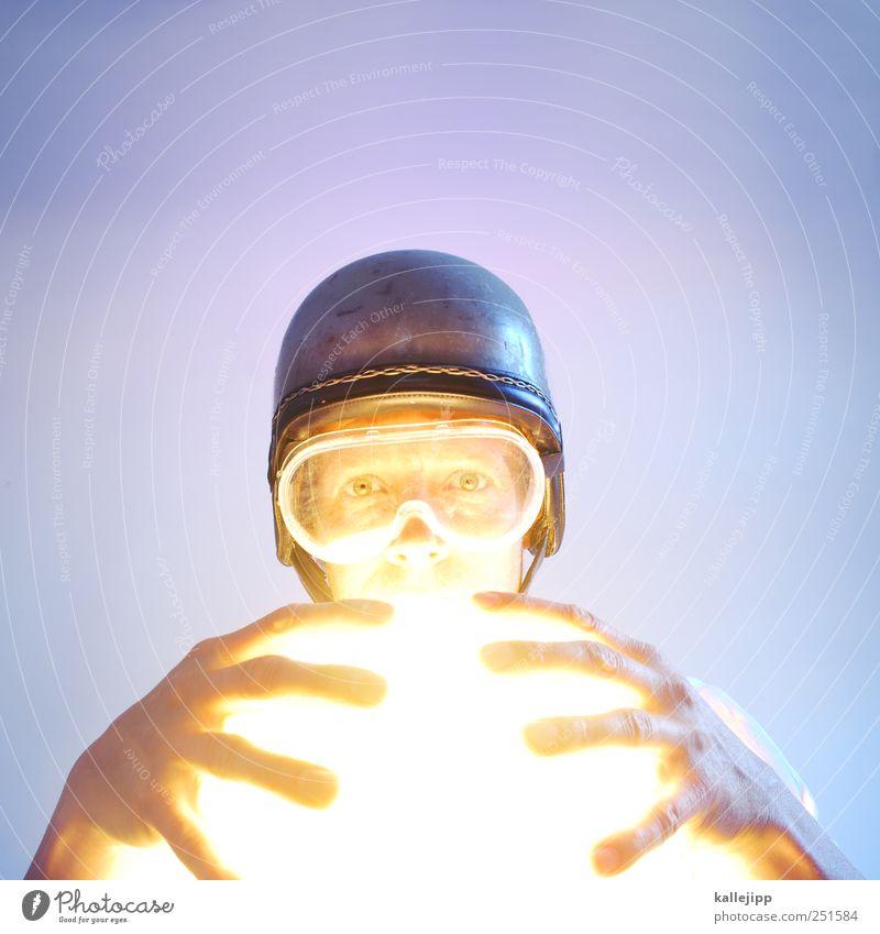 everybody's on the run Mensch maskulin Mann Erwachsene Leben Kopf Gesicht Auge Hand Finger 1 Kunst Helm Lampe Brille Kugel Wahrsagerei Farbfoto mehrfarbig
