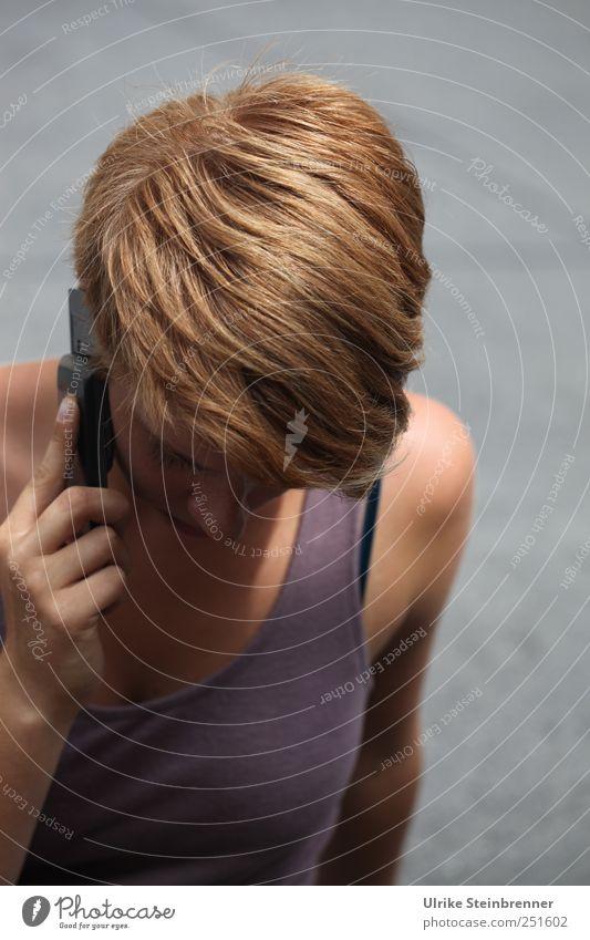 250 / Love to hear you II Handy Telekommunikation Mensch feminin Junge Frau Jugendliche Erwachsene Leben Kopf Haare & Frisuren Finger 1 18-30 Jahre hören