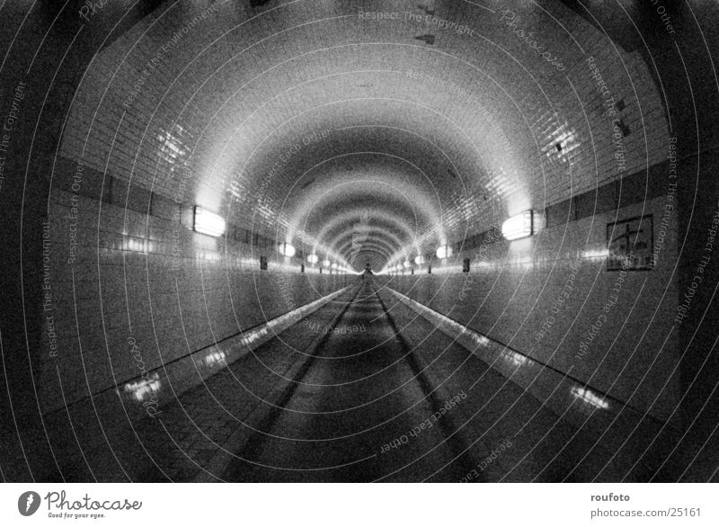 Alter Elbtunnel Angst Hamburg Verkehr Tunnel historisch Elbe Platzangst Sankt Pauli-Elbtunnel