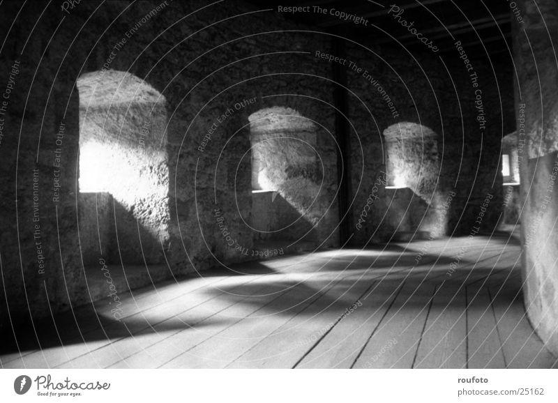 Wehrgang Fenster historisch Schlossmauer Stadtmauer Wehrgang