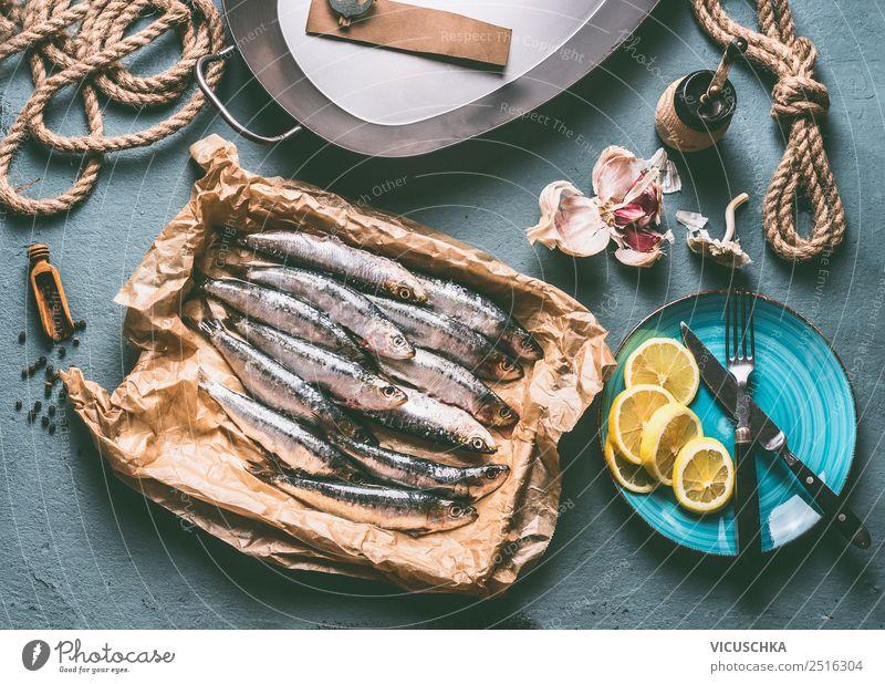 Frische Sardinen auf dem Küchentisch Lebensmittel Fisch Kräuter & Gewürze Öl Ernährung Diät Geschirr Stil Design Gesundheit Gesunde Ernährung Tisch Restaurant