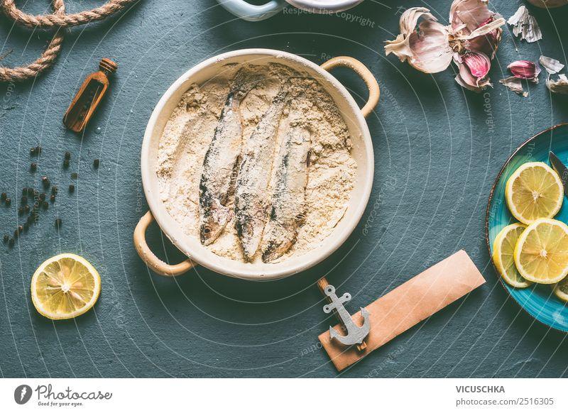 Sardinen Fische panieren Lebensmittel Kräuter & Gewürze Ernährung Mittagessen Abendessen Geschirr Teller Pfanne Stil Design Tisch Küche einfach Essen zubereiten