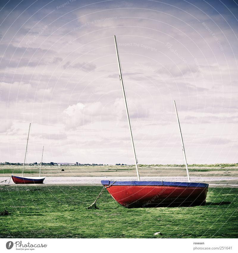 segelboote Natur rot Ferien & Urlaub & Reisen Strand Meer ruhig Gras Küste Wasserfahrzeug warten nass Hafen Bucht Seeufer Schifffahrt Kette
