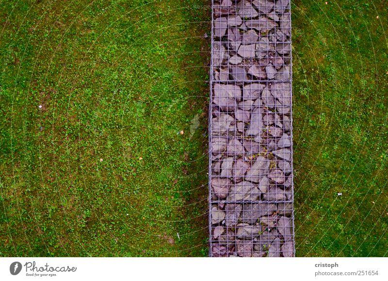 Trennlinie Gras Park Wiese Mauer Wand Trennung Grenze grün Kontrast Strukturen & Formen mehrfarbig abstrakt Textfreiraum links Vogelperspektive
