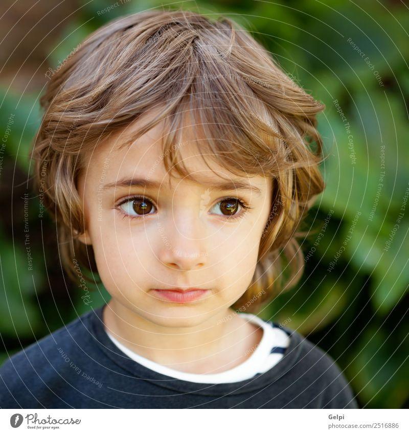 Liebenswertes Kleinkind Freude Glück schön Gesicht Spielen Kind Baby Junge Kindheit Natur Pflanze Baum Park Lächeln lachen Fröhlichkeit klein lustig niedlich