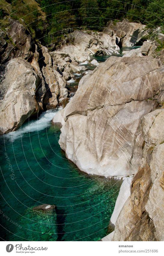 verzasca valley Ferien & Urlaub & Reisen Tourismus Ausflug Expedition Sommer Wellen Berge u. Gebirge wandern Natur Landschaft Wasser Wetter Baum Wald Felsen