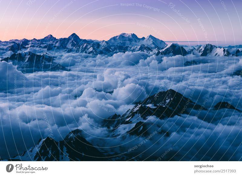 von der Dämmerung bis zum Morgengrauen wandern Wolken Gewitterwolken Nachthimmel Winter Klimawandel Unwetter Hügel Felsen Alpen Berge u. Gebirge elbrus Gipfel