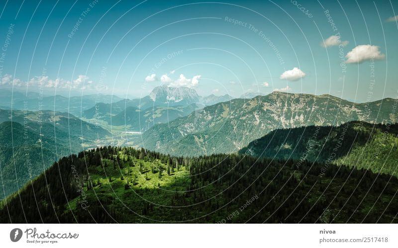 Bergpanorama Tirol Himmel Natur Ferien & Urlaub & Reisen Sommer Pflanze Sonne Landschaft Baum Haus Ferne Berge u. Gebirge Umwelt Gras Glück Freiheit Felsen
