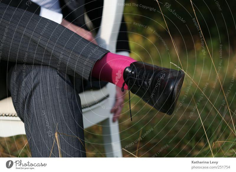 Mr. Rotsocke Lifestyle elegant Stil schön Mensch maskulin Mann Erwachsene Paar Beine Fuß 1 sitzen rosa schwarz ästhetisch Zufriedenheit Beratung Erholung