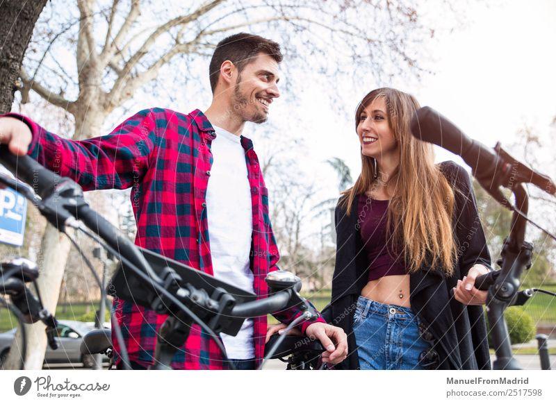 Frau Mensch Ferien & Urlaub & Reisen schön Freude Erwachsene Lifestyle Liebe Glück Paar Tourismus Textfreiraum Freundschaft Europa Lächeln Fröhlichkeit