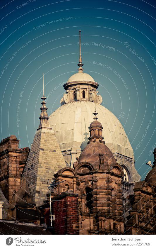 Türmchen England Europa Stadt Stadtzentrum Altstadt Haus Kirche Burg oder Schloss Rathaus Bauwerk Gebäude Architektur Dach Sehenswürdigkeit ästhetisch Turm