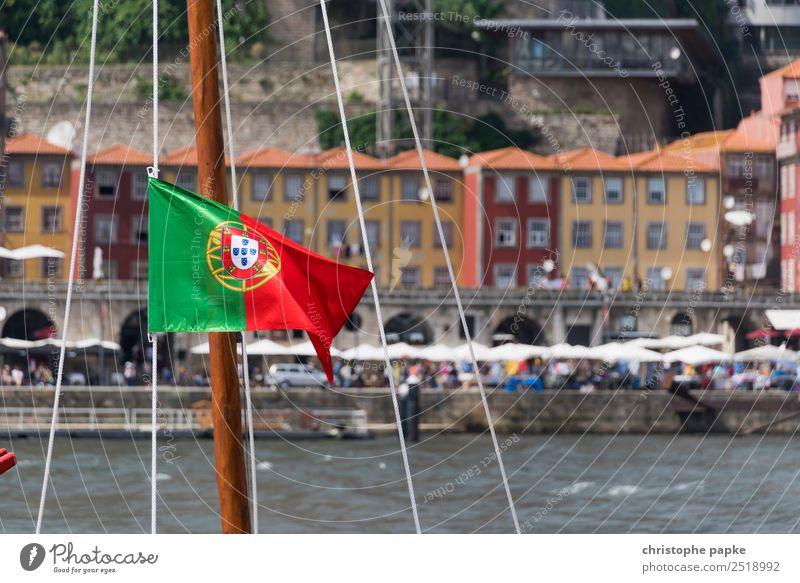Porto / Portugal Ferien & Urlaub & Reisen Sommer Stadt Haus Sommerurlaub Städtereise Altstadt Fahne Schifffahrt Segelboot Mast