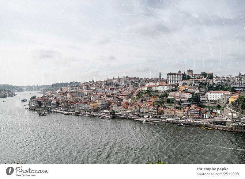 Porto Ferien & Urlaub & Reisen Ferne Sightseeing Städtereise Wasser Himmel Wolken schlechtes Wetter Flussufer Portugal Europa Stadt Stadtzentrum Altstadt