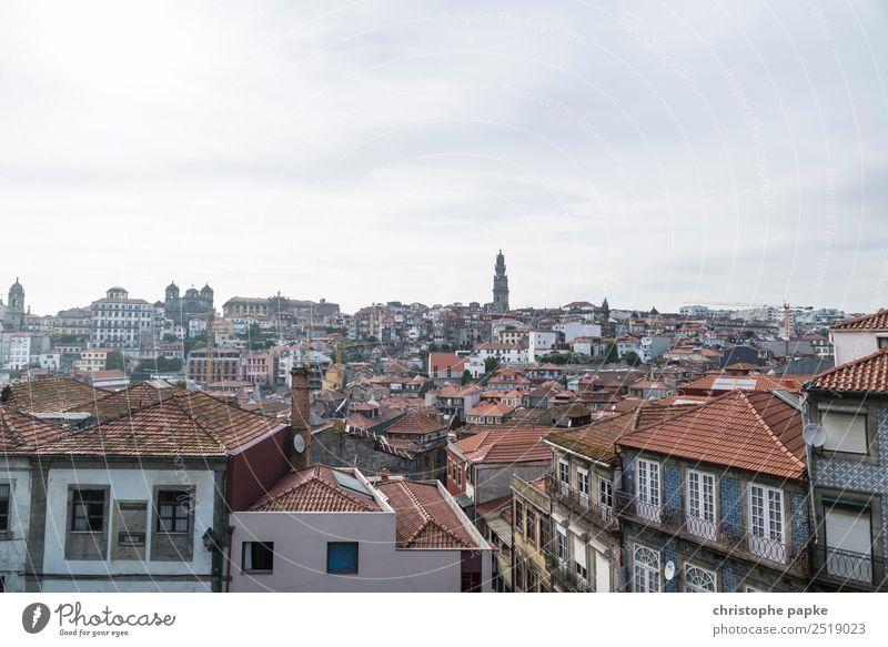Portos Dächer Portugal Europa Stadt Stadtzentrum Altstadt Haus Dach Ferien & Urlaub & Reisen Reisefotografie Städtereise Farbfoto Außenaufnahme