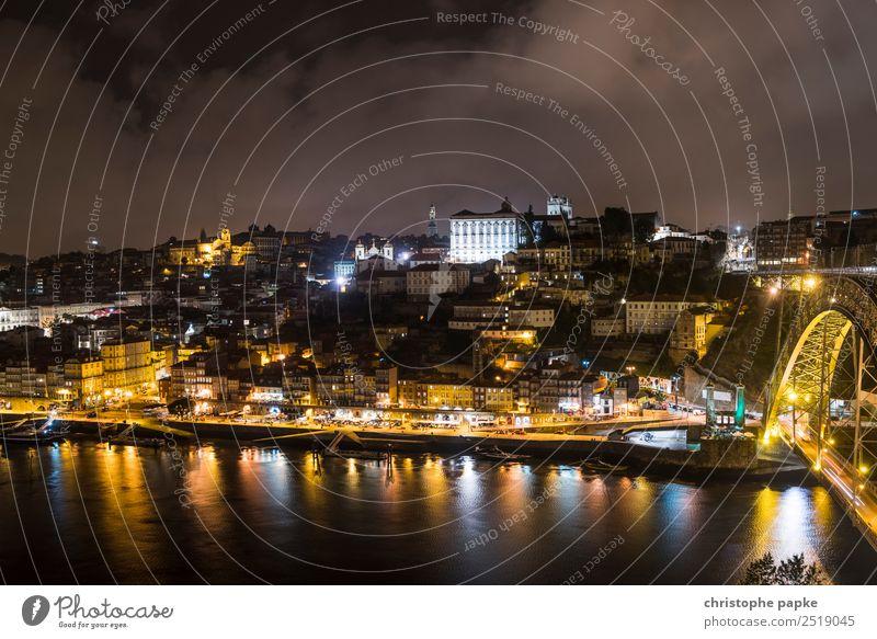 Goldenes Porto Ferien & Urlaub & Reisen Sightseeing Städtereise Portugal Europa Stadt Hafenstadt Stadtzentrum Stadtrand Altstadt Skyline Haus Sehenswürdigkeit