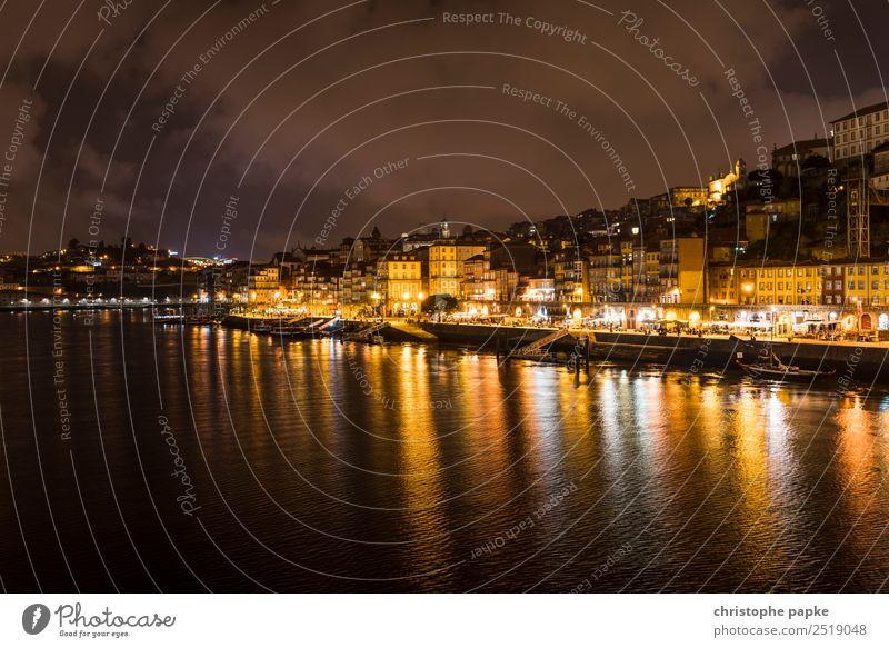 skyline of Porto at night Ferien & Urlaub & Reisen Städtereise Flussufer Douro Portugal Stadt Stadtzentrum Altstadt Skyline Haus Sehenswürdigkeit Wahrzeichen