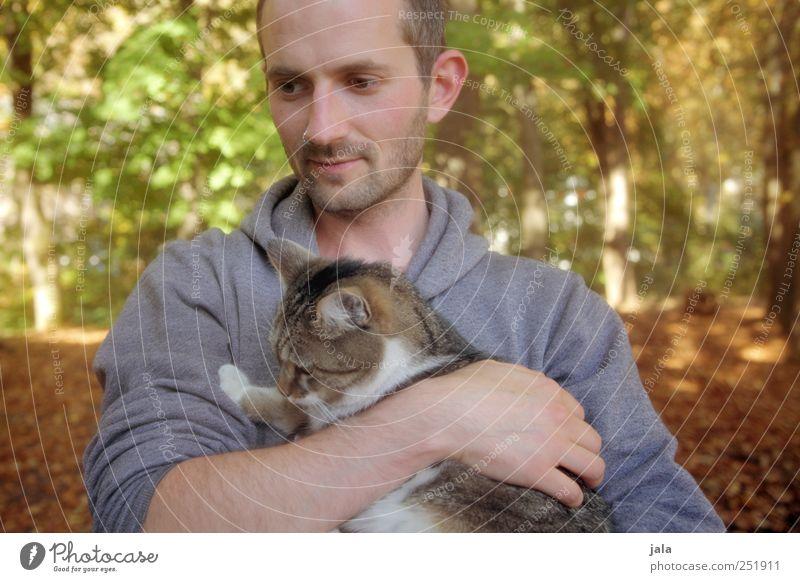 CHAMANSÜLZ | kuscheln Mensch maskulin Mann Erwachsene 1 30-45 Jahre Umwelt Natur Herbst Pflanze Baum Tier Haustier Katze ästhetisch Freundlichkeit schön