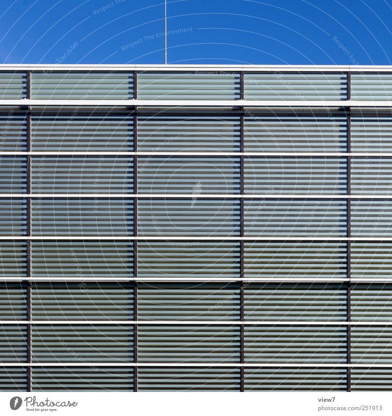 Glas Haus Bauwerk Gebäude Architektur Mauer Wand Fassade Fenster Metall Linie Streifen bauen authentisch elegant frisch modern Beginn ästhetisch Design Ordnung