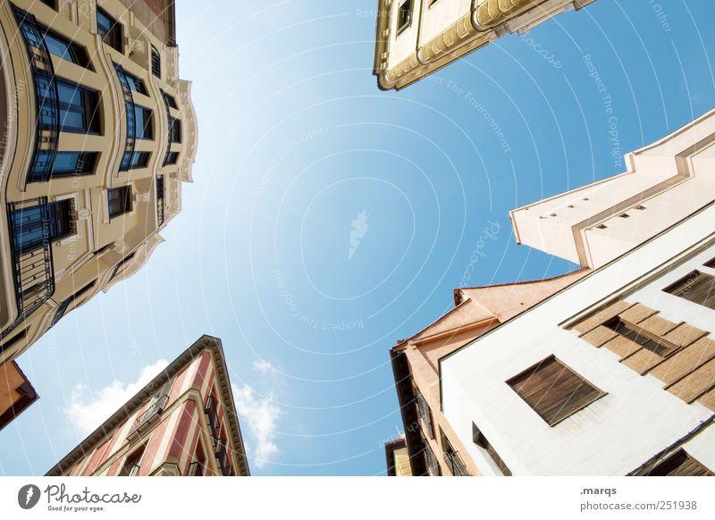 Zackig schön Stadt Haus Farbe Architektur Gebäude hoch groß Perspektive Häusliches Leben Bauwerk Beratung Spanien Wirtschaft Miete
