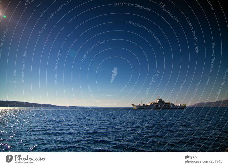 Zwischen den Welten Umwelt Luft Wasser Himmel Horizont Sommer Klima Schönes Wetter Wellen Küste Meer Insel Pag fahren leuchten übersetzen Seitenwechsel Fähre