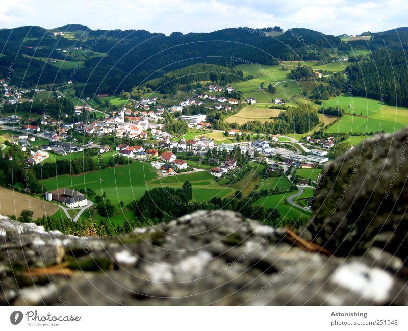 das Dorf Natur Landschaft Pflanze Erde Luft Himmel Wolken Sommer Wetter Schönes Wetter Baum Blume Gras Sträucher Wiese Feld Wald Hügel Felsen Haus Straße